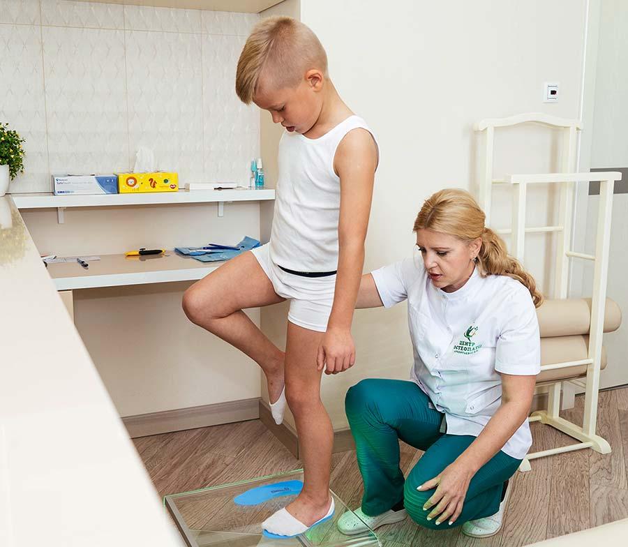 Этап 1 - подготовка пациента к изготовлению стелек ФормТотикс